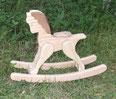 Petit cheval à bascule artisanal en bois