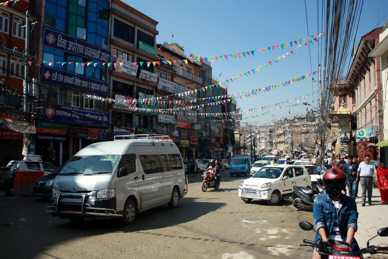 Circulation dans la capitale Népalaise - Katmandou