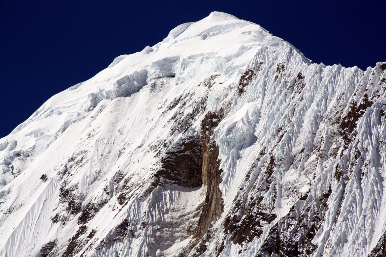 Zoom sur le Ganggapurna (7 454 m)