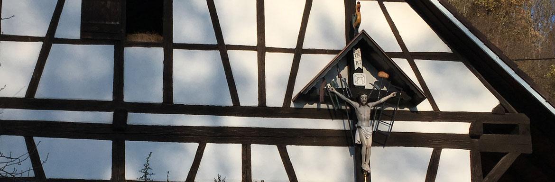 Restauriertes Kruzifix in Steinach, Obere Mühle