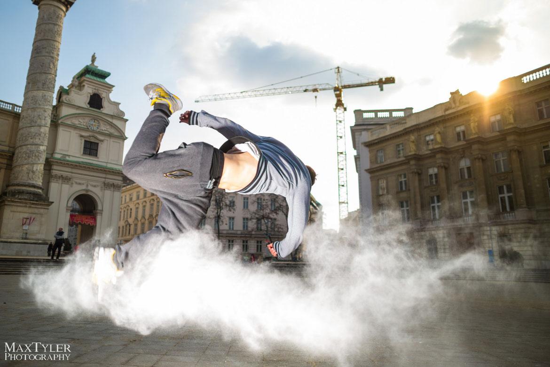 Priolite Hot Sync Mehlshooting vor der Wiener Karlskirche (c) Markus Morawetz (www.maxtyler.at)