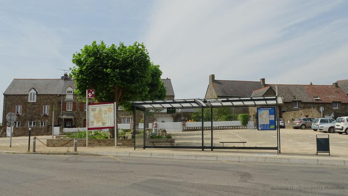 L'arrêt de bus St-Père Centre.