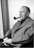 Bourvil fume la pipe mais pas une louis vuitton