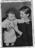 meine Uroma Elsa G. Zolnier geb. Schkade mit Traudel