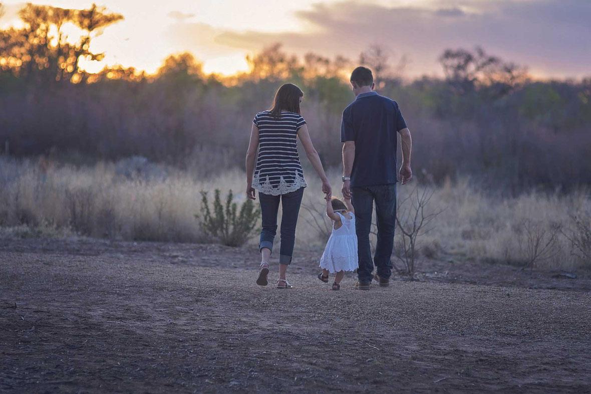 Eltern Selbstverwirklichung emotionale Abhängigkeit Vergebung Kind Erwartung