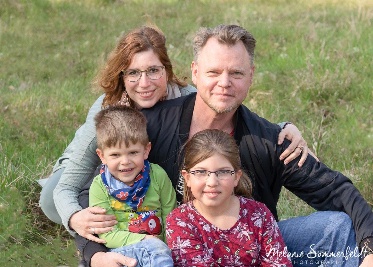 Familienfoto aus Familienshooting in Hamburg