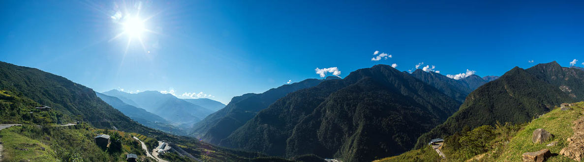 Reise von Ostbhutan nach Westbhutan - Manas Nationalpark - Trongsa - Punakha - Thimphu-Paro