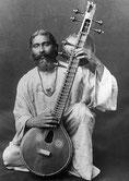 Hazrat Inayat Khan mit Vina