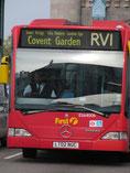 """Bus avec logo """"Handicapés"""""""