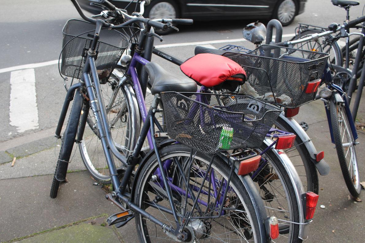 Fahrradnadeln in der Keupstraße.