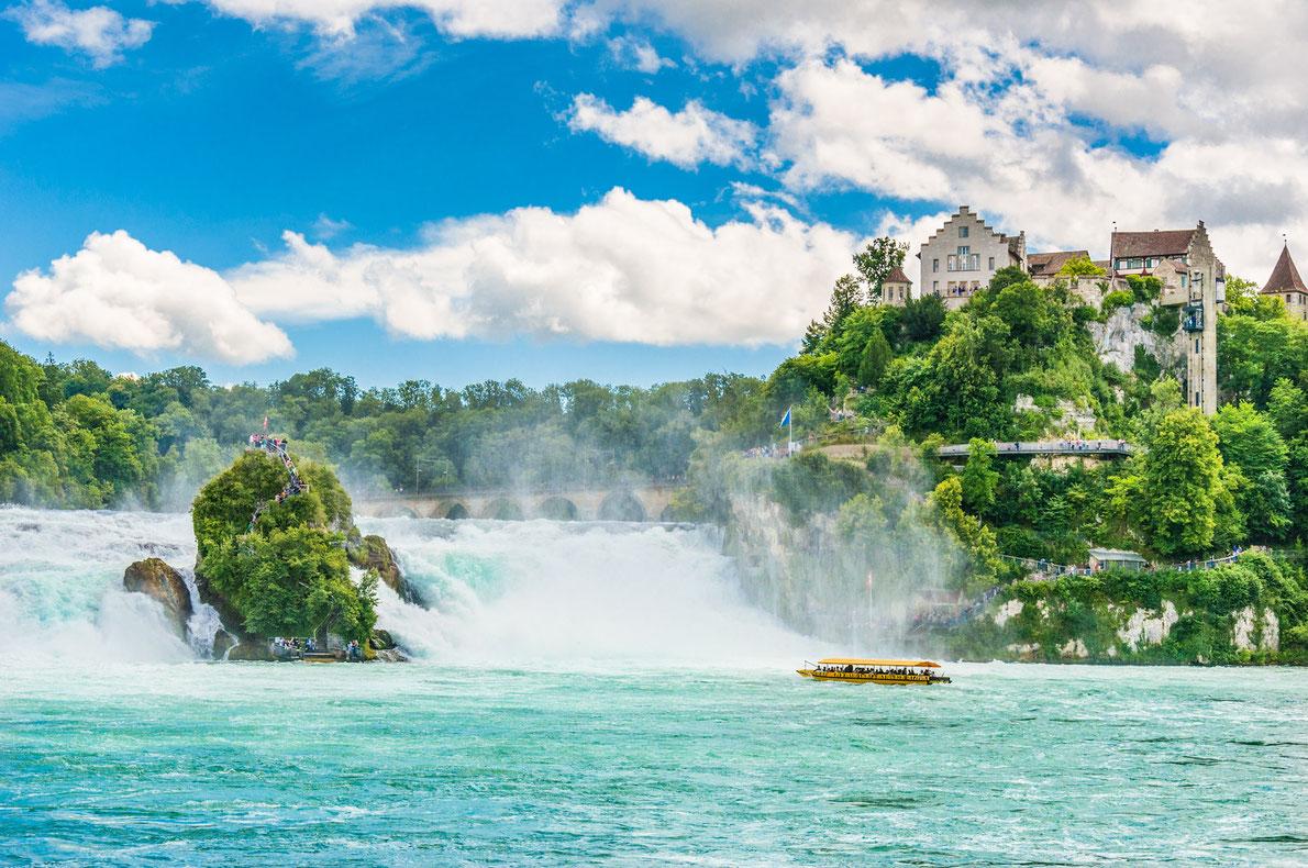 A maioria das paisagens bonitas da Europa - Cataratas do Reno Copyright VitalyPeklich - Melhores destinos europeus