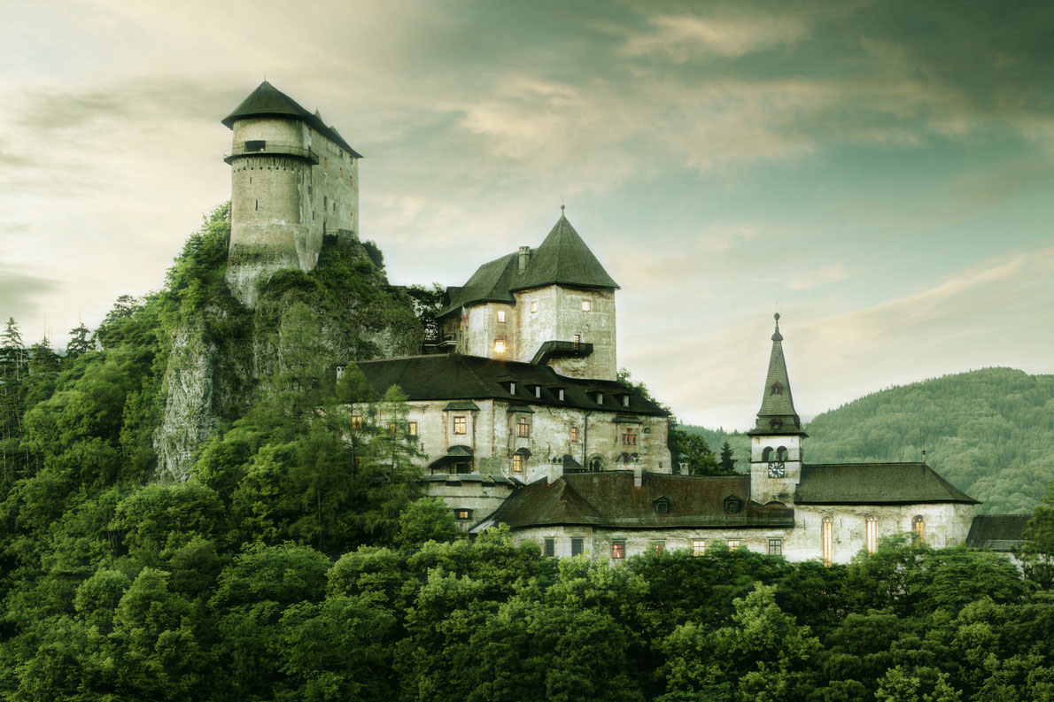 Oravsky Hrad - Best destinations for Halloween in Europe - Copyright  TTstudio