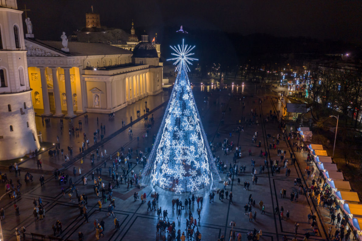 Vilnius - Best Christmas Tree in Europe - Copyright Ksenija Toyechkina - European Best Destinations