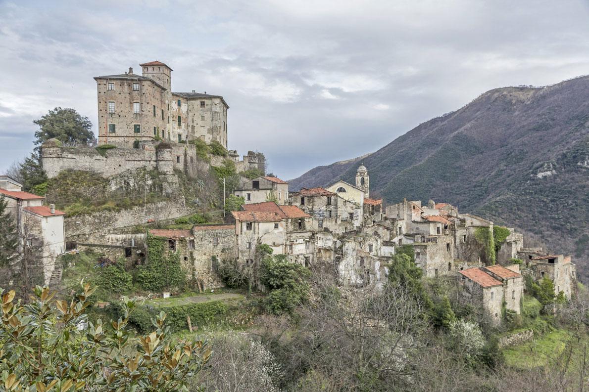 Best abandoned places in Europe - Balestrino - Copyright Eder - European Best Destinations