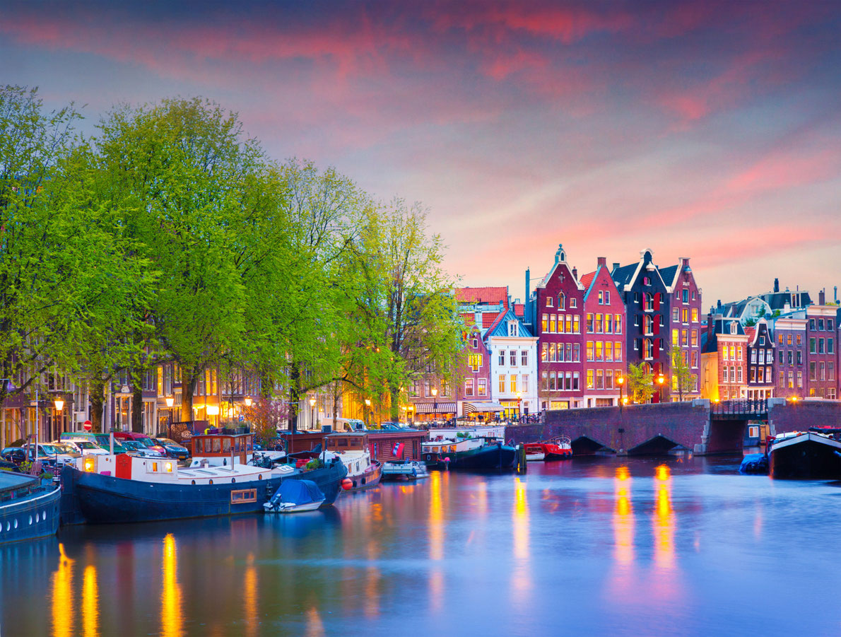 Amsterdam-best-romantic-destinations-in-europe