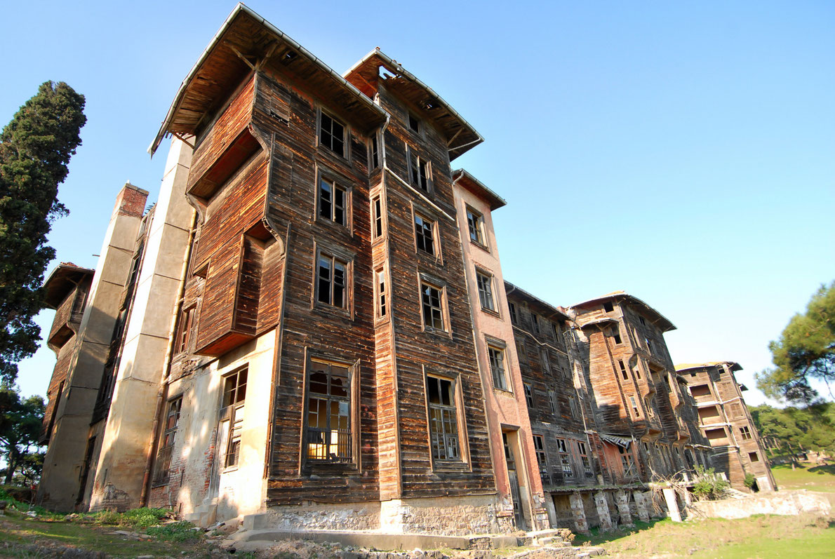 Top abandoned places in europe europe 39 s best destinations for European house