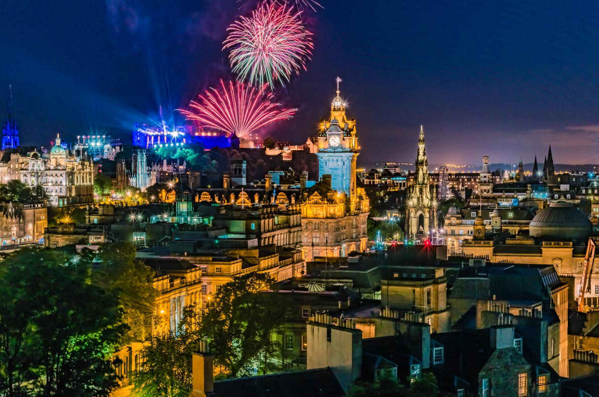 Best destinations to celebrate New Year in Europe - Edinburgh - Copyright Shaiith - European Best Destinations
