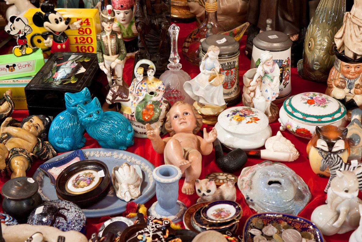 Best Flea Markets in Europe - Feira da ladra flea market - Copyright Anastasia Petrova - European Best Destinations