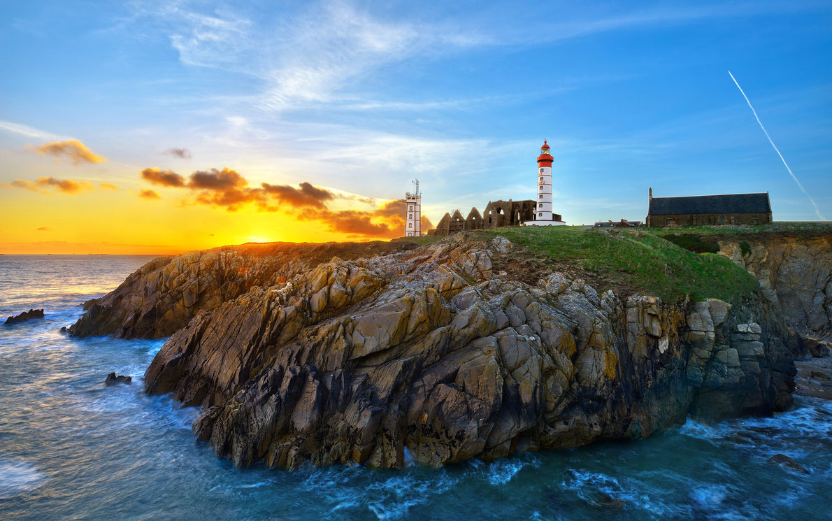 Phare Saint-Mathieu Lighthouse Bretagne France - Best Lighthouses in Europe
