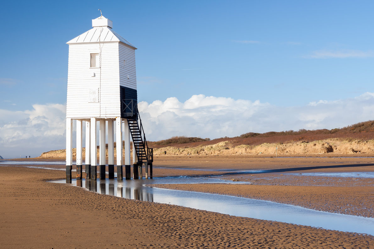 The low Lighthouse Burnham on sea - Best lighthouses in Europe