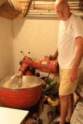 Jean Jacques nous initie aux différentes étapes de la fabrication du pain