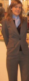 Uniforme de azafata de pantalón pirata y chaqueta gris