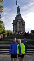 Am Hermannsdenkmal vor dem Start