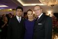 Steigenberger Parkhotel in Düsseldorf: Grand Re-Opening nach umfangreicher Renovierung - Puneet Chhatwal, CEO Steigenberger Hotels AG, zusammen mit Hoteldirektor Michael Kain (rechts) und Schauspieler