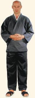 Symbolbild graue Kleidung