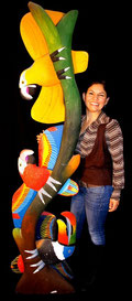Casserly, Isabel ... Farbenfrohe HOLZSKULPTUREN aus Equador