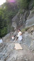 Total in Fels gebaut