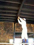 梁清掃の上柿渋塗り