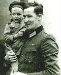 Wilm Hosenfeld mit einem polnischen Jungen