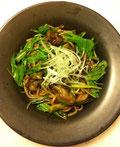 牡蠣と水菜の梅サラダ饂飩