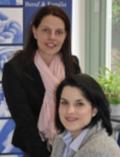 Kreisfrauenbeauftragte Melanie Knauf & Nicole Schmitt (stehend)