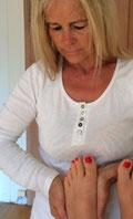 Komplementärtherapie Alternativmedizin Kinesiologie Fussreflex Massage emrindexbilder Logo Carol Praxis Küssnacht Meggen Wellness Seele Körper Geist Gesundheit Yellow local  Google Lokal.ch Y