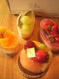 果山のケーキ