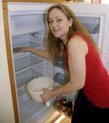 Der Kühlschrank ist leer, ab sofort gibt es nur noch Wasser, Tee und Säfte. Foto: Frank Saltenberger