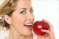 Gesundes Zahnfleisch durch professionelle Zahnreinigung statt Zahnfleischbluten, Zahnfleischentzündungen und Zahnfleischschmerzen durch Parodontose
