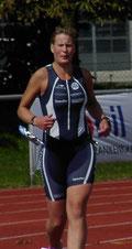 Nicole von Döllen beim Zieleinlauf.