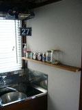 キッチン横のスパイス棚
