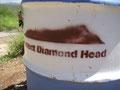 ダイヤモンドヘッドのゴミ箱?にペイントされている絵は山のシルエット。