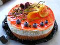 und um den Abschmiedsschmerz zu versüssen, haben wir heute so eine wunderschöne Torte bekommen, das half!