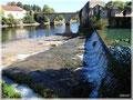 L'abaissement du plan d'eau de Tuilières en septembre 2013 dévoile l'important cône de sédimentation à la confluence de la Couze avec la Dordogne.
