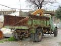 Wieviele Jahre mag dieser LKW wohl schon am Buckel haben?