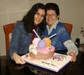 Con Ana Celia... tres años trabajando juntas!! Este fue nuestro primer video :) http://goo.gl/OG2kA