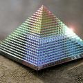 Regenbogenpyramide, verschiedene Farben