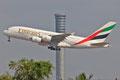 Der A-380 von Emirates macht ebenfalls täglich in BKK Station, bevor er weiter nach Hongkong fliegt.