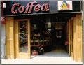 Boutique Cofféa Façade ouverte, battants repliés