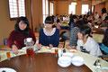 クリスマス会 中華レストラン「陶陶」さんで 中学部